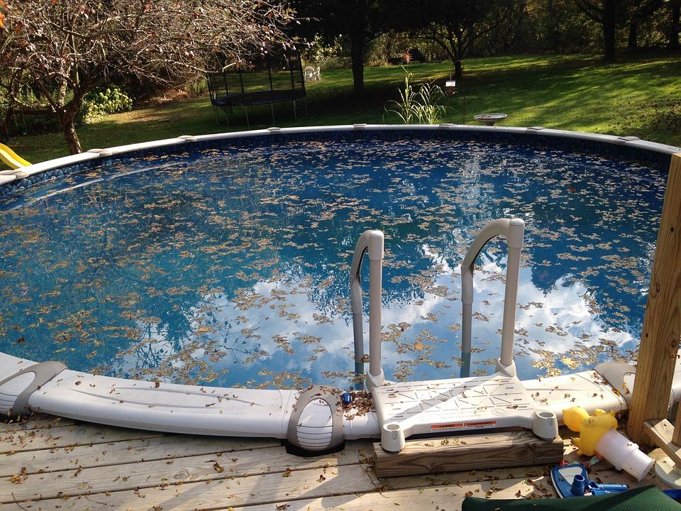 Pravidelná údržba bazénu