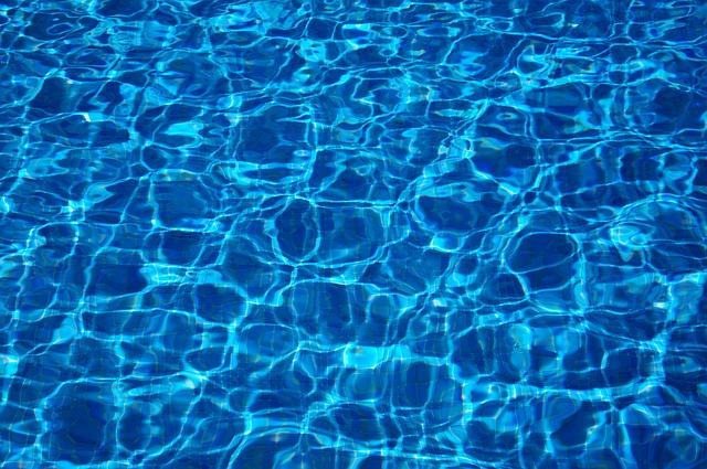 Plachta pod bazén