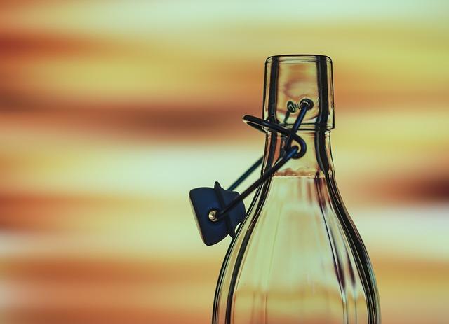 skleněná láhev.jpg